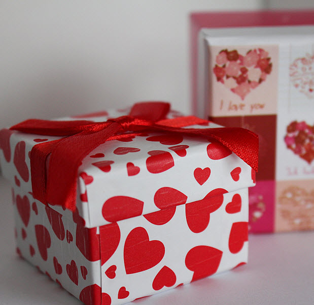 5 Tips to Creating Valentine's Day Bundles That Sell!